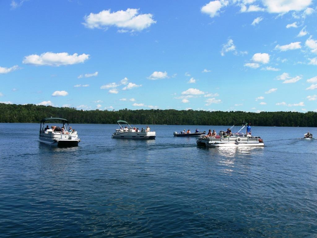 Rock bass fishout for Circle fishing boat